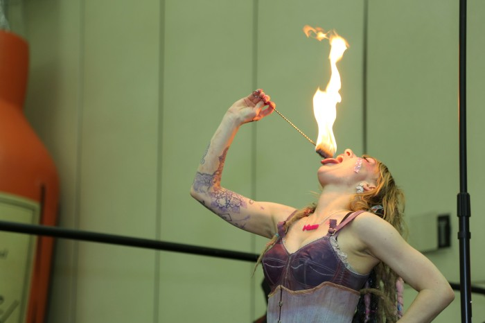 Here's a photo of performer Serana Rose at the Baltimore Tattoo Convention this year. This photo is straight from the camera, a 5D Mark III